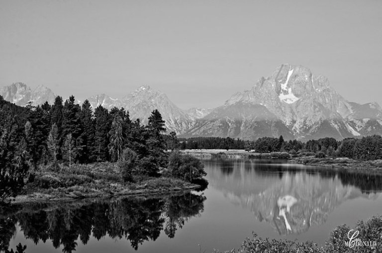Oxbow-Bend-shrouded-in-smoke-2-bw