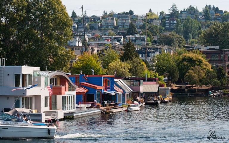 Floating Houses-on-lake