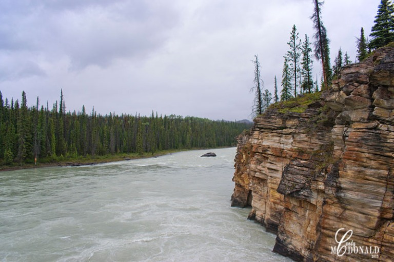 Athabasca Falls on a rainy day 8